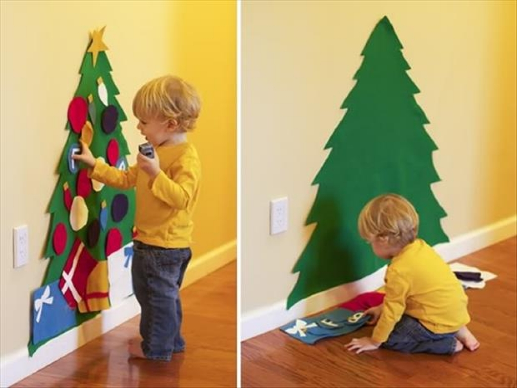 felt paper Christmas tree in Christmas DIY decorations for kids bedrooms | lovelyspaces.com