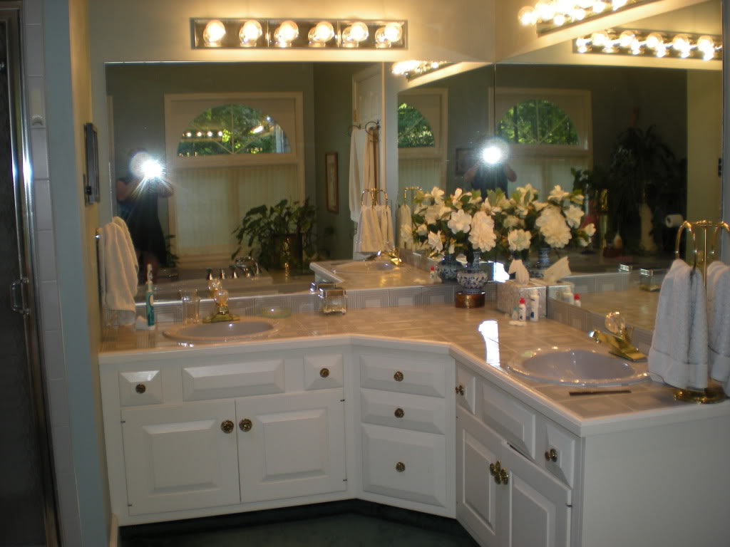 crystal knobs his and her bathroom sink   lovelyspaces.com