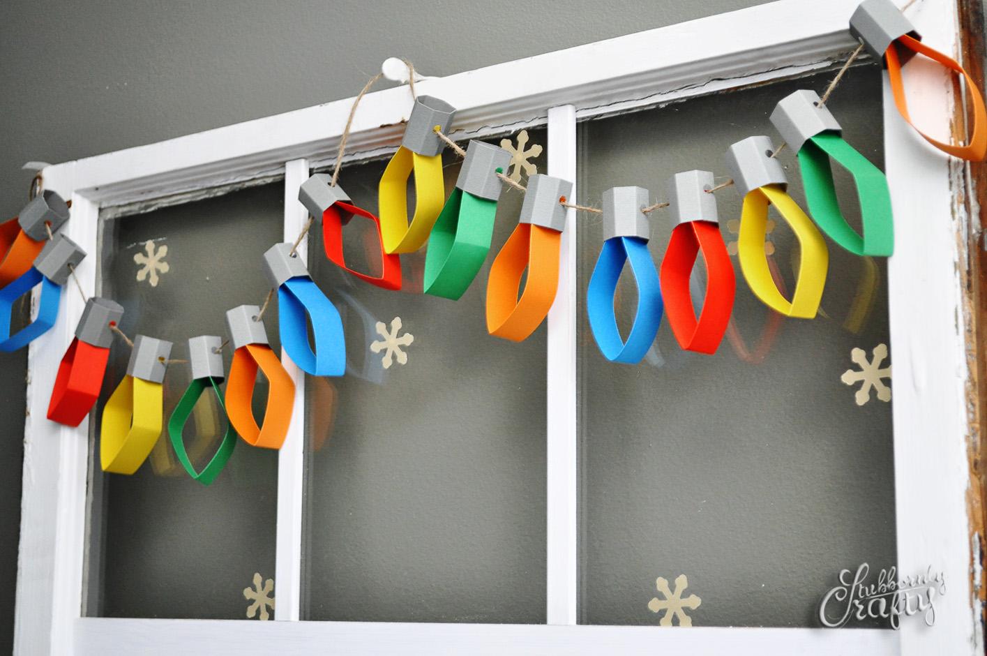 paper garlands in Christmas DIY decorations for kids bedrooms | lovelyspaces.com