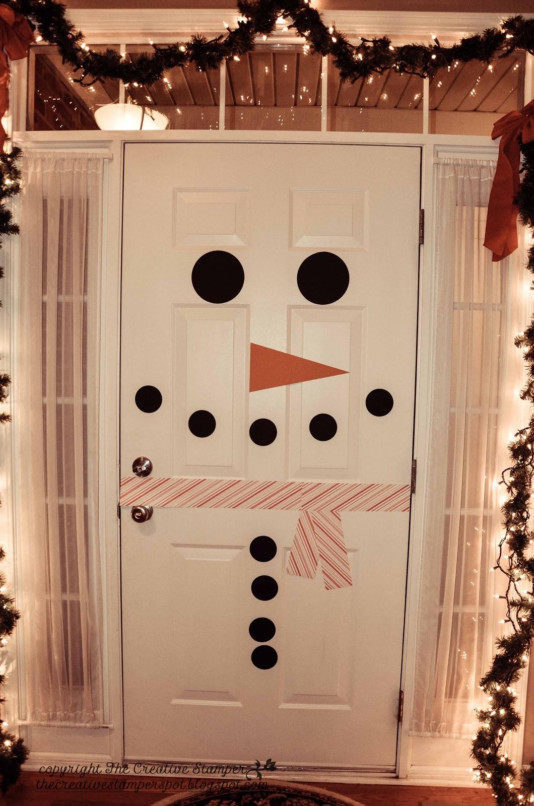 snowman door in Christmas DIY decorations for kids bedrooms | lovelyspaces.com