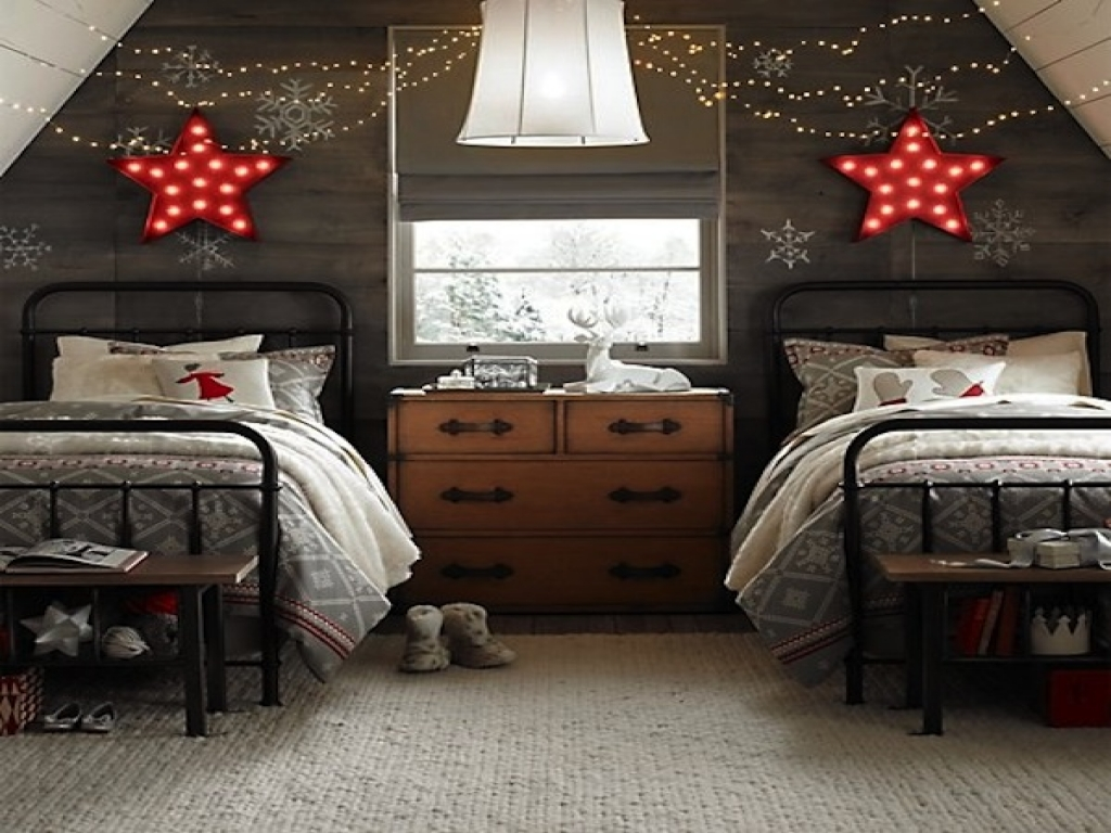 star bright in Christmas DIY decorations for kids bedrooms | lovelyspaces.com